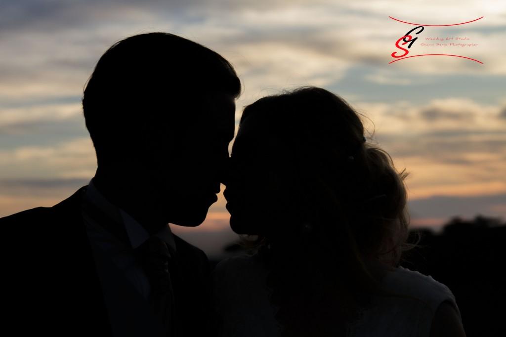 servizio fotografico di matrimonio romantico al tramonto